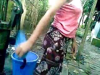 Bangladeshi - Deshi Girl Bathing Outdoor And Recording