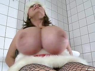Milena Bound Santa