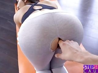 Stepsiblingscaught - Step Sisters Ripped Yoga Pants S8:e5