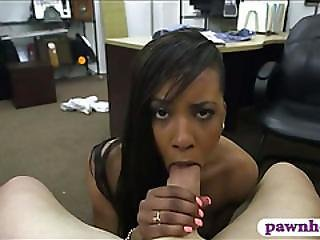 Ebony Pawns Her Pussy For The Golf Clubs