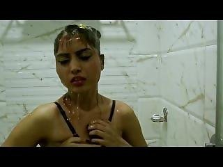 Amazing-b-grade-indian-movie-love-making-seducing-hot-scene (4).mp4