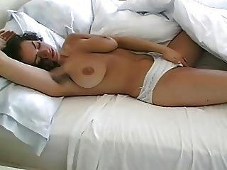 naturlige store bryster behåret tissekone