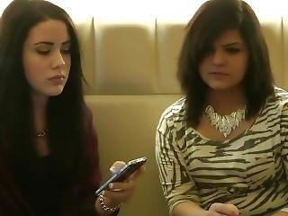 2 Smoking Girls In A Caf�