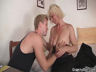 blond, blowjob, tjekkisk, doggystyle, kneppe, bedstemor, hardcore, matur, milf, realitiet