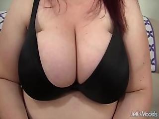 Sexy Fat Slut Gets Herself Off Bigtime