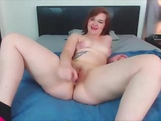 18 Barely Legal Redhead Teen Daisie Rubbing Phat Pussy