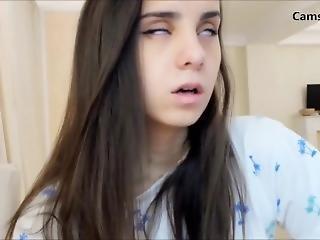 18yo Teen Orgasm On Cam
