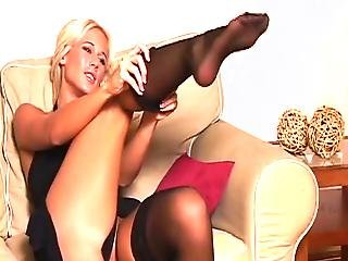 Babe With Hot Feet