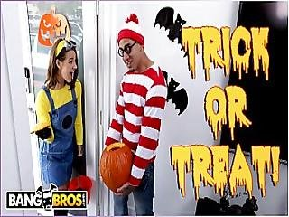 Bangbros - Trick Or Treat Smell Evelin Stone S Feet. Bruno Gives Her Something Good To Eat.