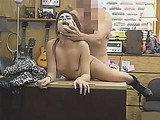 Pretty Rocker Sells Her Guitar And Her Twat Then Fucked