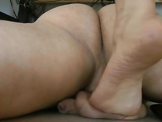 Goddess Leyla - Balls Under The Desk