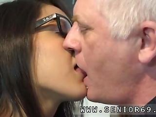 Old Men Creampie Teen But She Wants A Hard Jizz-shotgun And She Knows