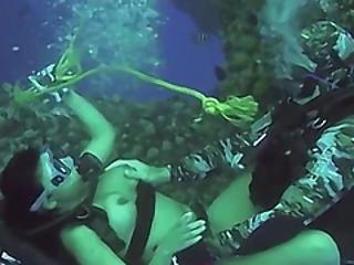 Víz alatti fétis pornó