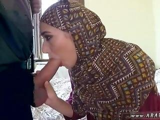 Angelina Arab Suck Cock In Car Muslim Girl White Guy No Money,