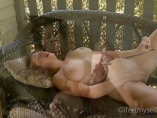 Over Two Hours Of Girls Orgasming!