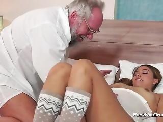 Fuckmegramps - Horny Babe Fucks With A Cocked Gramps