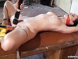 Submissed Com Bound Babe Orgasms