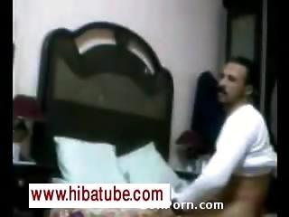 Vieille Femme Arabe Se Prend Une Bite -hibatube.com