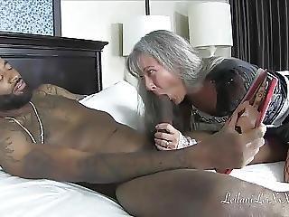 centerfold, harter porno, interrassisch, dienstmädchen, Reife, milf, alt, kleine titten