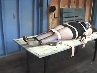 Mucenje Djevojke Nylon