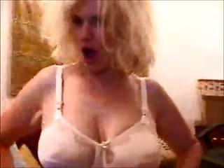 Camel Toe Hairy Granny Porn Star Zoe