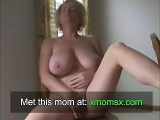 Fingering Pussy