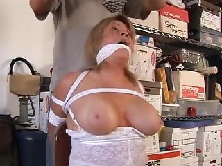 Bondage, Amordaçada