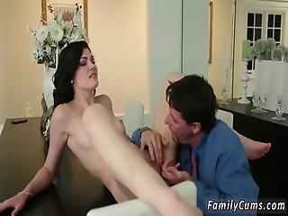 3d, geburtstag, brünette, ladung, ins gesicht, harter porno, interrassisch, sex, Jugendliche