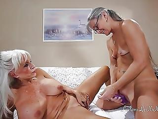 バイセクシュアル, レズビアン, 成熟した, AV女優, ストラップオン
