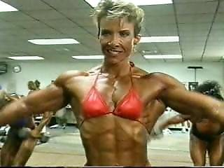 Muscle Milf Warming For Posing