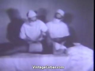 Babe Masturbates In The Toilet