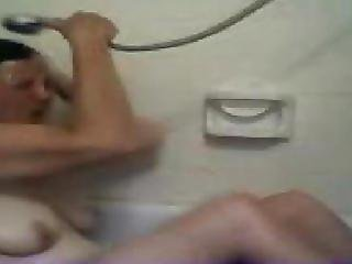 Kweentina On Camfrog Bathing