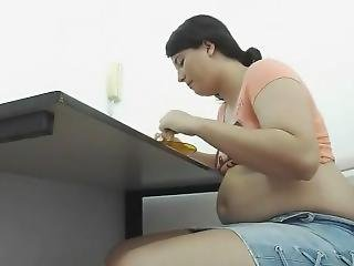 Belly Stuffing.mp4