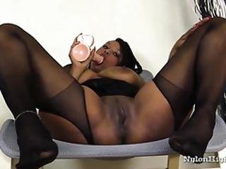 Big Tit Ebony Janelle Plays With Dildo