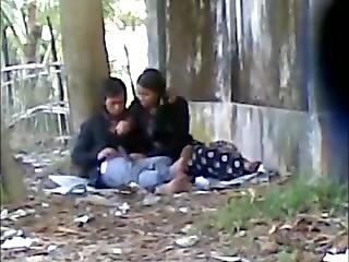 Deshi Cute Lover Sucking Big Cock In Public Park