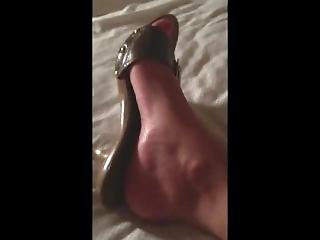Busty Wife With Pussy Mound Gropped On Bed