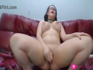 Adorable Brunette With Huge Ass Pounds Her Phat Vagina Mp4