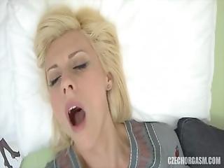 amateur, bbw, clit, gekruld, tsjechisch, vingeren, thuis, thuis gemaakt, massage, masturbatie, orgasme, realiteit, roodharige, wrijven, geschoren, solo