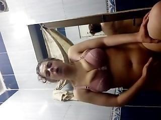 Egyptian Mom Masturbating In Bathroom