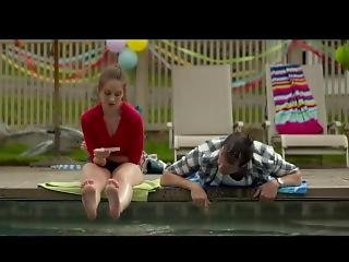 Alison Brie Soles Of Feet - Sleeping With Other People