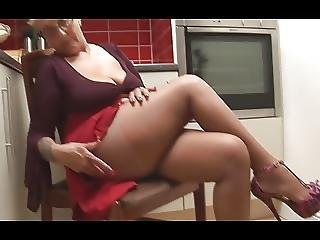 Curvy Mature With Gorgeous Legs In Pantyhose