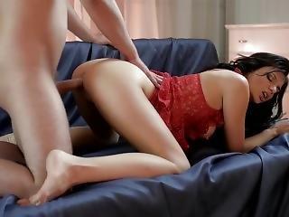 Leggy Russian Escort In Stockings Has A Romantic Fuck