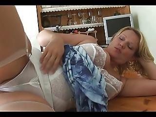 Chubby Mom Show Camaster