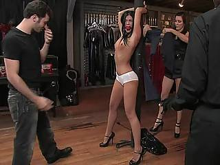 Bondage, μελαχροινή, γλυκιά, φετίχ, ταπείνωση, πόδια, μακριά πόδια, Milf, βρακί, δημόσια, τιμωρία, δούλος, ψηλός, δεμένη