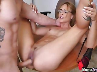 Blonde Teen Slut Jenny Jett Got Her Pussy Stuffed Hard By A Guy Who Want Hire Her