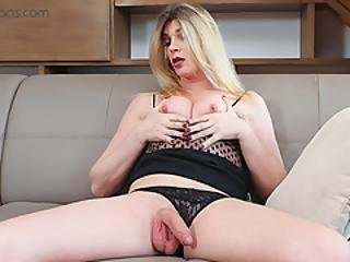 Ts Vr Porn-small Tits Blonde Ts Milf Masturbating And Ass Play