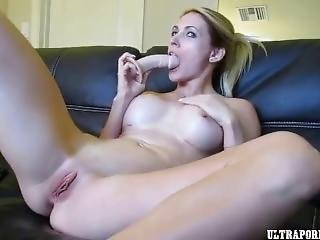 Dildo That Pussy Till You Squirt!