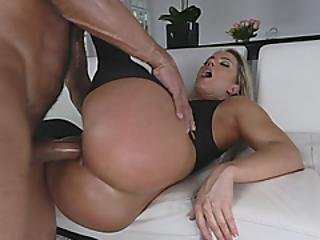Hard Dick Stretching Wet Pussy