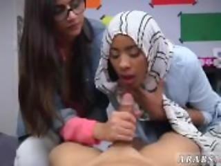 Muffin top teen BJ Lessons with Mia Khalifa