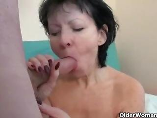 Horny Cleaner Mom